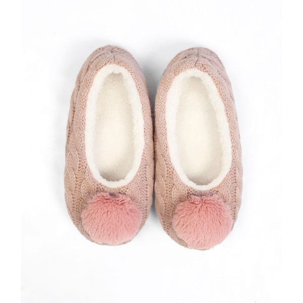 < Wholesale Slippers